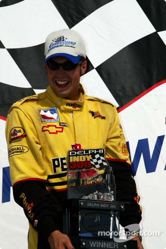 Le vainqueur Sam Hornish Jr.