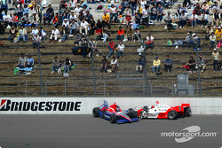 Roger Yasukawa and Helio Castroneves in the wall