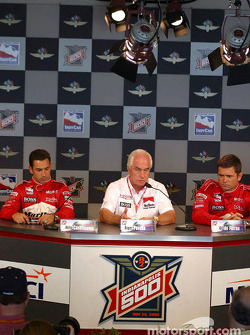 Penske press conference: Helio Castroneves, Roger Penske and Gil de Ferran