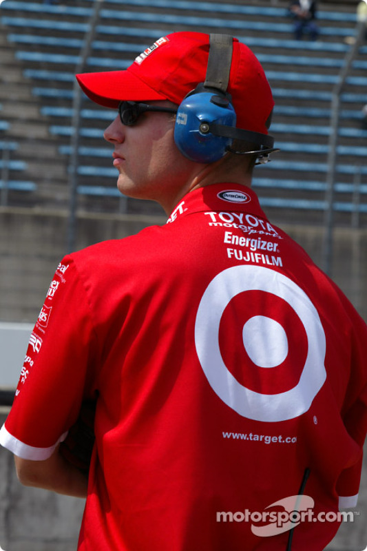 Un mécanicien du Chip Ganassi Racing Team
