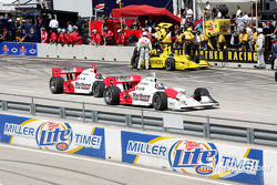 Sam Hornish Jr. and Helio Castroneves on pitlane