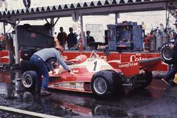 Niki Lauda, Ferrari yoğun yağmur nedeniyle yarıştan çekiliyor
