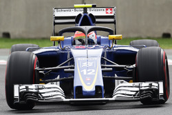 Felipe Nasr, Sauber C35 with the Halo cockpit cover