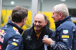Керівник Red Bull Racing Крістіан Хорнер, гоночний директор Renault Sport F1 Team Фредерік Вассьор, консультант Red Bull Доктор Хельмут Марко