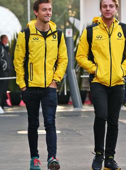 Джолион Палмер, Renault Sport F1 Team и Джек Кларк, физиотерапевт