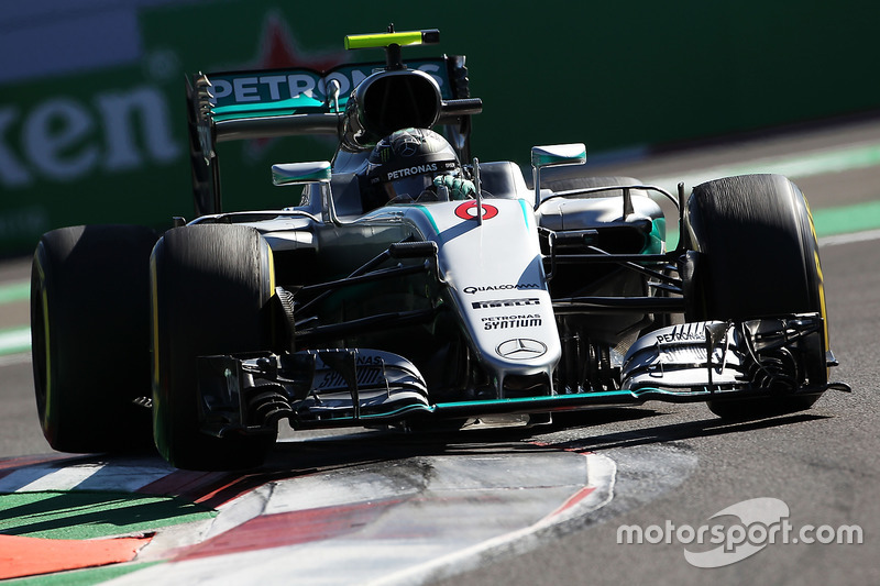 2. Нико Росберг, Mercedes AMG F1 W07 Hybrid