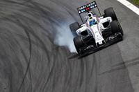 Felipe Massa, Williams FW38 locks up under braking