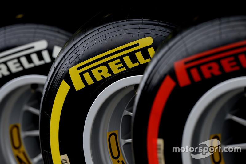 As curvas de alta velocidade e as possíveis altas temperaturas provocam grande estresse nos pneus. A Pirelli levará os supermacios, macios e médios – sua combinação mais conservadora desde que decidiu por descartar os duros.