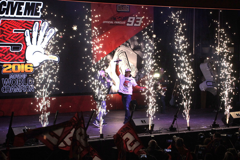 Марк Маркес, Repsol Honda Team, святкує здобутий титул Чемпіона світу у Сервері, Іспанія