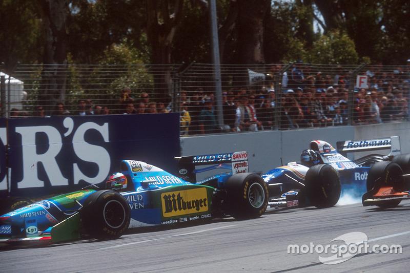 Деймон Хілл, Williams FW16B Renault перегальмовує і врізається в Міхаеля Шумахера, Benetton B194 Ford