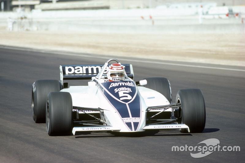 Quem já foi no campeão nos EUA, mas no GP em Las Vegas, foi Nelson Piquet. Em 1981, ele garantiu seu primeiro título na carreira ao ser o quinto na prova e ver seu rival, Carlos Reutemann, apenas em oitavo.