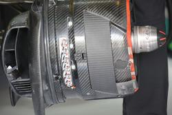 McLaren MP4-31 brake detail