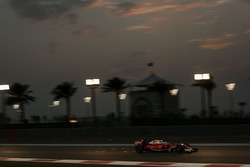 Sebastian Vettel, Ferrari SF16-H sacando chispas