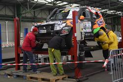 Исидре Эстев Пуйоль и Х.М. Вильялобос, KH-7 Rally Team