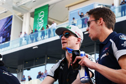 Nico Hulkenberg, Sahara Force India F1 with Daniil Kvyat, Scuderia Toro Rosso on the drivers parade
