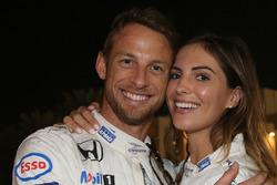 Гонщик McLaren Дженсон Баттон с подругой Бритни Уорд