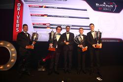 2016 Sprint Cup Pilotlar şampiyonu Enzo Ide, 2. Christopher Mies, 3.Dominik Baumann, Maximilian Buhk ve Hugo da Silva, Blancpain Events Specialist