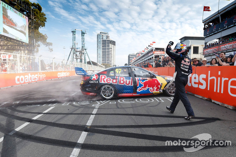 Shane van Gisbergen, Triple Eight, Holden