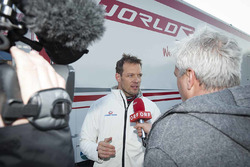 Alexander Wurz parla con i media al World RX Team Austria Ford Fiesta test