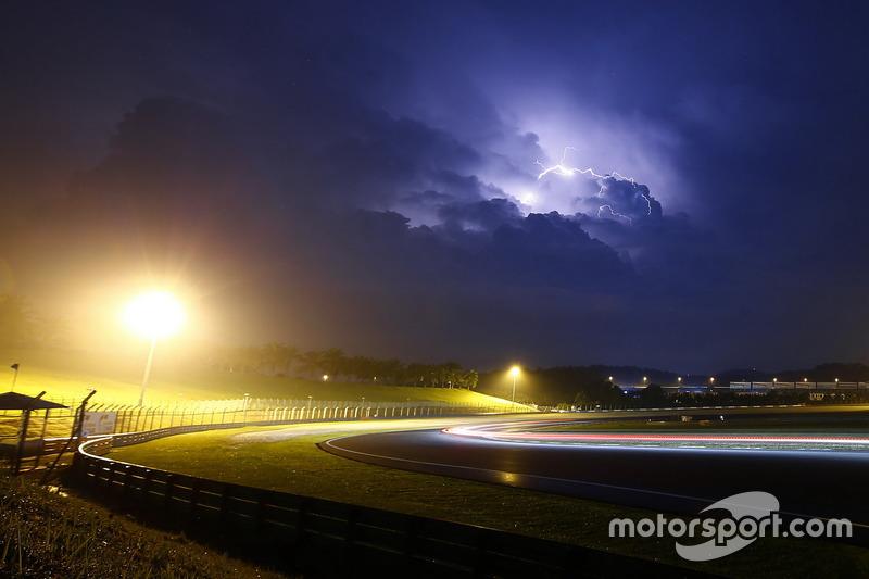 Atmósfera de las 12 horas de Sepang