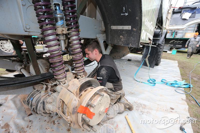 10. Mecánico del Team de Rooy