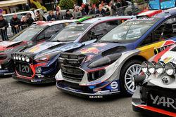 Kris Meeke, Paul Nagle, Citroën C3 WRC, Citroën World Rally Team; Hayden Paddon, John Kennard, Hyundai i20 WRC, Hyundai Motorsport; Sébastien Ogier, Julien Ingrassia, Ford Fiesta WRC, M-Sport