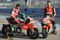 Лоренцо Савадорі, Milwaukee Aprilia World Superbike Team, Юджин Лаверті, Milwaukee Aprilia World Superbike Team