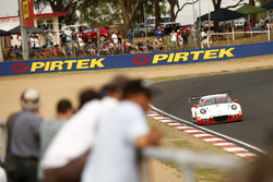 №912 Walkinshaw GT3, Porsche 911 GT3 R: Лиам Тальбо, Джон Мартин, Давашен Падаячи