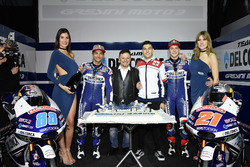 Jorge Martín, Gresini Racing Team, und Fabio Di Giannantonio, Gresini Racing Team, mit Fausto Gresini, Gresini Racing Team, Teammanager, und Jorge Navarro, Federal Oil Gresini Moto2