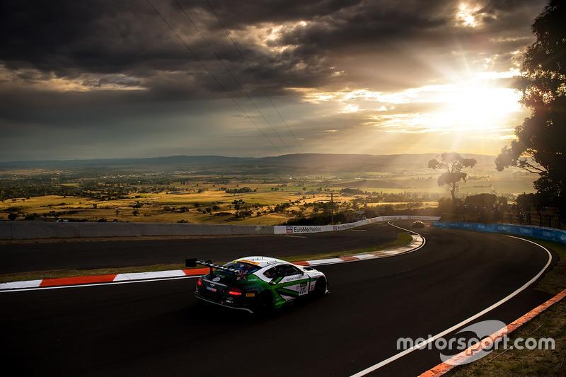 2. #17 Bentley Team M-Sport, Bentley Continental GT3: Andy Soucek, Maxime Soulet, Vincent Abril