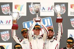#912 Walkinshaw GT3, Porsche 911 GT3 R: Лайем Телбот, Джон Мартін, Давашен Падаячі
