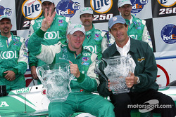 Paul Tracy celebrating his third Milwaukee win with team owner Barry Green