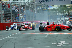 Formula 3 turn 1 action