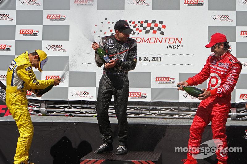 Helio Castroneves, Team Penske, Will Power, Team Penske and Dario Franchitti, Target Chip Ganassi Racing celebrate