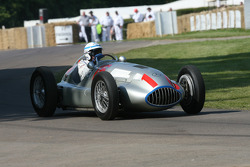 John Surtees, Mercedes-Benz W165