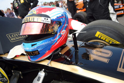 Vitaly Petrov's crash helmet