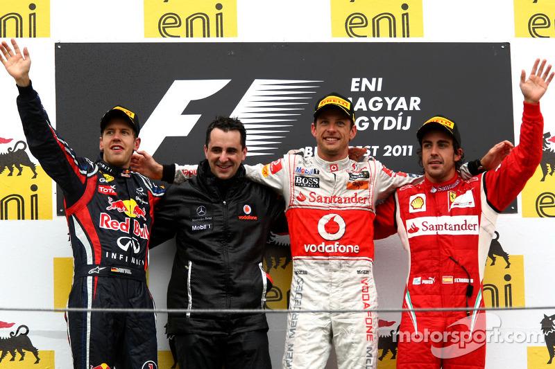 المركز الأول جنسن باتون، المركز الثاني سيباستيان فيتيل والمركز الثالث فرناندو ألونسو