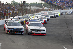 Start: Ricky Stenhouse Jr., Roush-Fenway Ford and Brad Keselowski, Penske Racing Dodge lead the fiel