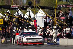Pit stop for Jacques Villeneuve, Penske Racing Dodge