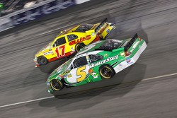 Matt Kenseth, Roush Fenway Racing Ford and Mark Martin, Hendrick Motorsports Chevrolet