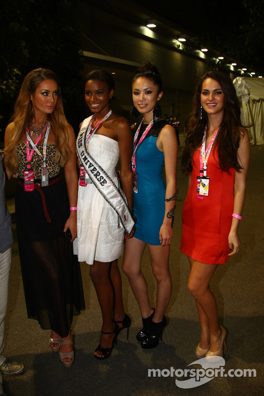 Singapore, girls in the paddock