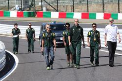 Heikki Kovalainen, Team Lotus and Karun Chandhok, Lotus F1 Team