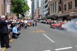 Team Vodafone during a lunchtime pitstop in Brisbane