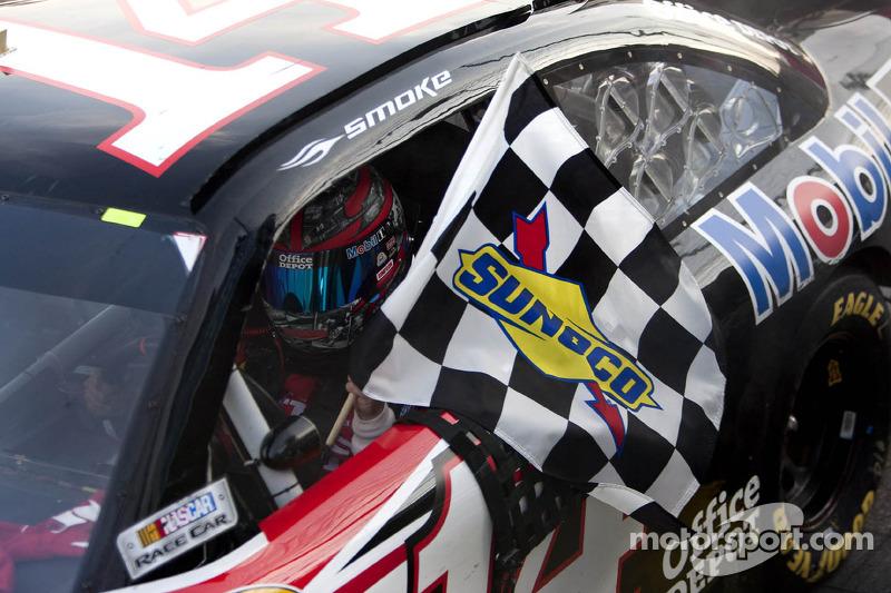 2011, Martinsville 2: Tony Stewart (Stewart/Haas-Chevrolet)