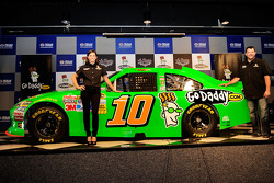 Tony Stewart and Danica Patrick announce her participation in the 2012 Daytona 500