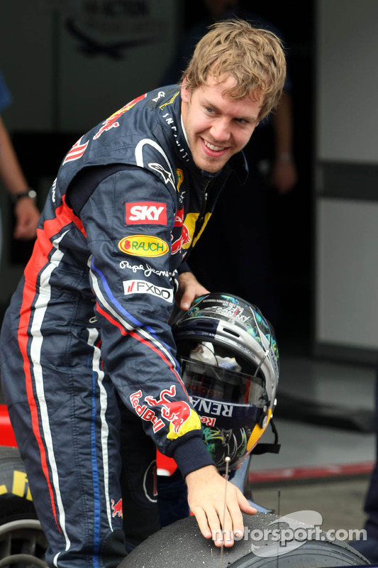Sebastian Vettel, Red Bull Racing gets pole position and the most pole positions in one season