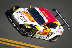 #42 Team Sahlen Mazda RX-8: Dane Cameron, Joe Nonnamaker, Wayne Nonnamaker, Will Nonnamaker, Joe Sahlen