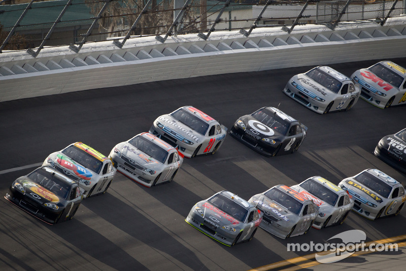 Jamie McMurray, Earnhardt Ganassi Racing Chevrolet aan de leiding