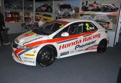 Matt Neals 2011 BTCC Honda Racing Civic