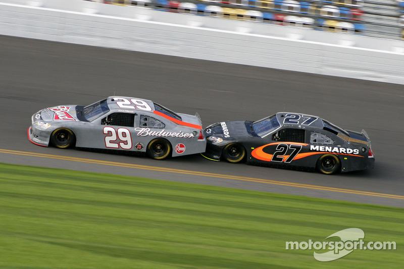 Kevin Harvick, Richard Childress Racing Chevrolet and Paul Menard, Richard Childress Racing Chevrolet